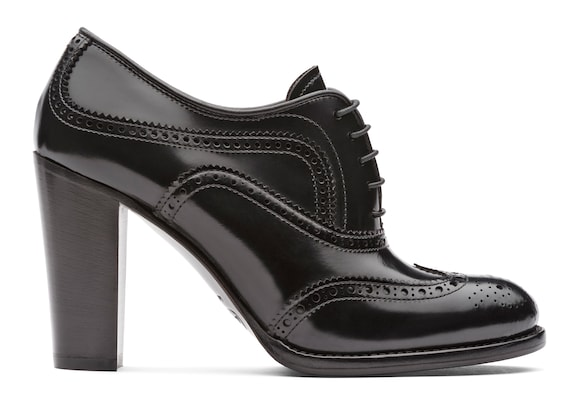 Polished Fumè Heeled Brogue